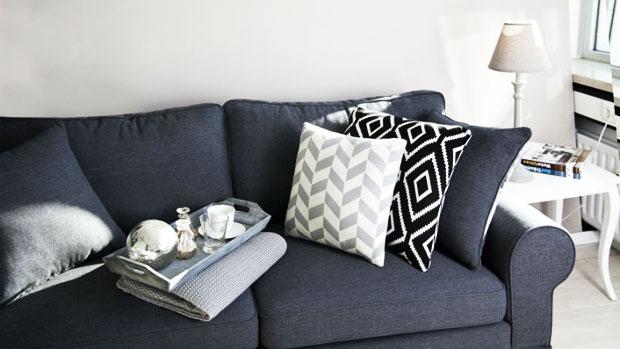 Divano grigio parete tortora - Divano grigio abbinamenti ...