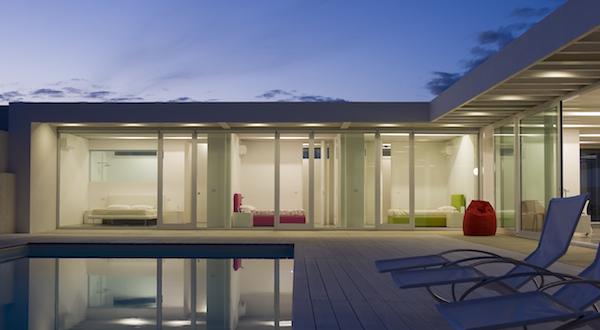 Vetrate esterne per ville simple abitazione privata with for Ville moderne con vetrate