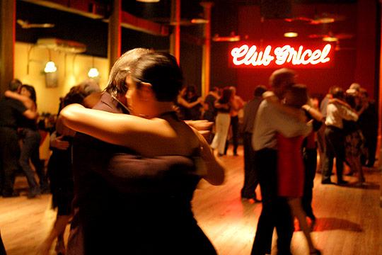 Buenos aires la citt di tango e milonga viviconstile for A puro tango salon canning