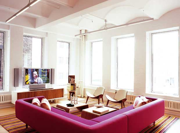 Cinque idee per arredare la casa con i colori viviconstile - Idee per arredare una casa ...