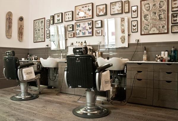 Barbiere di stile a milano bullfrog modern electric for Arredamenti per barbieri