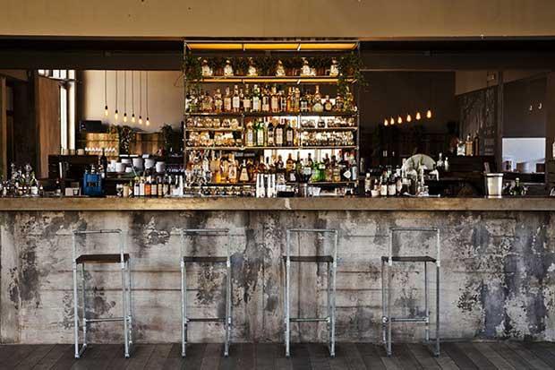 Cohouse pigneto roma ristorante e club di stile for Bar stile industriale