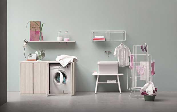 Arredare con stile un piccolo bagno di servizio e la for Arredare bagno piccolo con lavatrice
