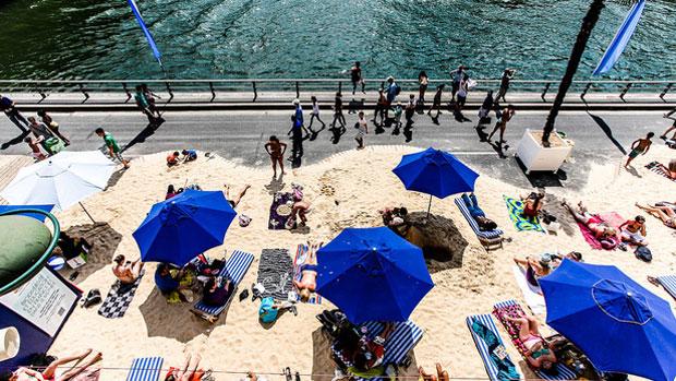 Paris Plages – la spiaggia di Parigi lungo la Senna